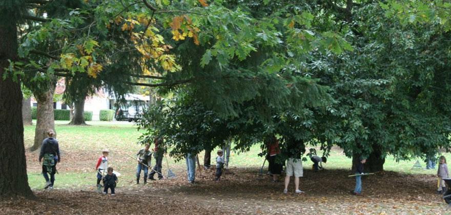 Children Playing at Puddletown Montessori Preschool in Portland Oregon